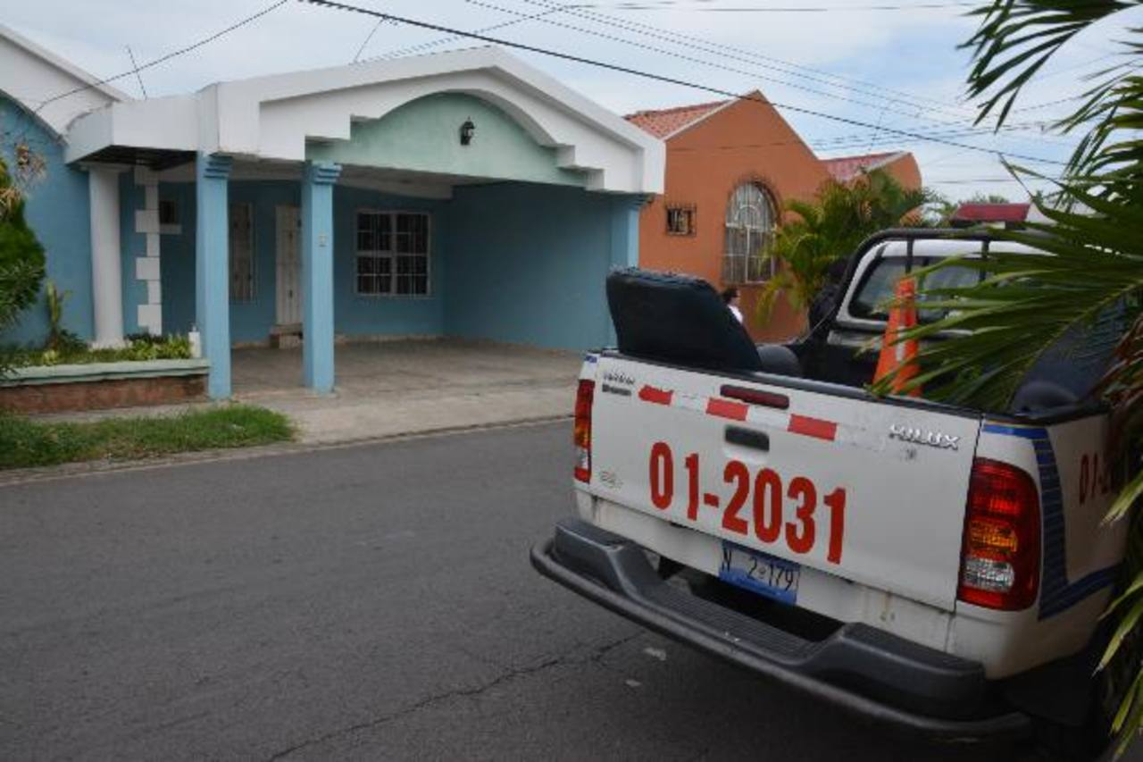 Vivienda del juez Especializado de Instrucción de San Miguel Jorge González en colonia Portales de Barceona en San Miguel.
