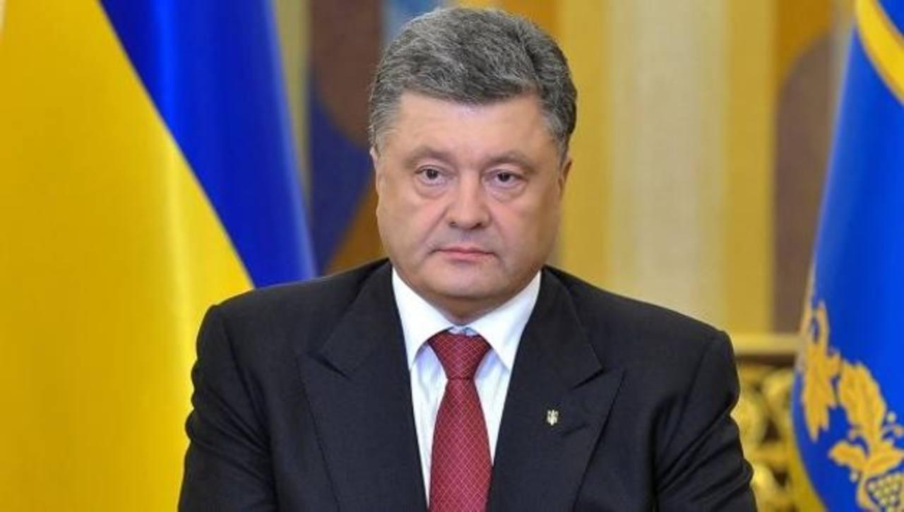 Las declaraciones del presidente de Ucrania, Petró Poroshenko, las ofreció ayer, mientras asistía a la reunión de los líderes europeos en Bruselas. foto edh / ARCHIVO.
