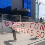 Veteranos de guerra advierten que, de no liberar al padre Toño, bloquearán calles.