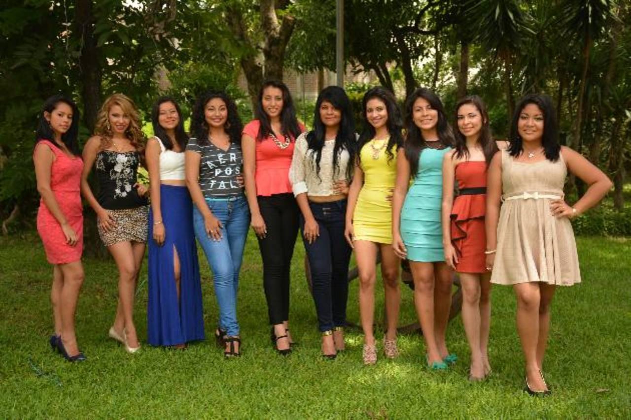 Diez señoritas compiten por el titulo de reina de las fiestas patronales de Jiquilisco. Foto EDH /mario amaya