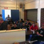 Parte de los empleados de Ruben Treminio Landscaping, una empresa salvadoreña establecida en Nassau, reciben capacitación en seguridad industrial. Ellos están en cargo de limpiar una porción de las playas del condado de Nassau (Long Island, NY) dañad