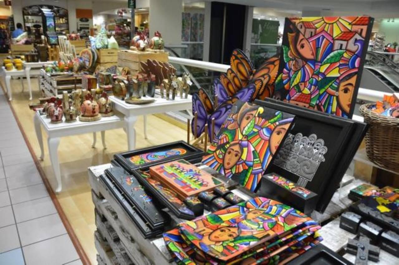 Los productos de los artesanos no solo son vistosos sino que de calidad para ser promocionados en la región. foto edh / david rezzio