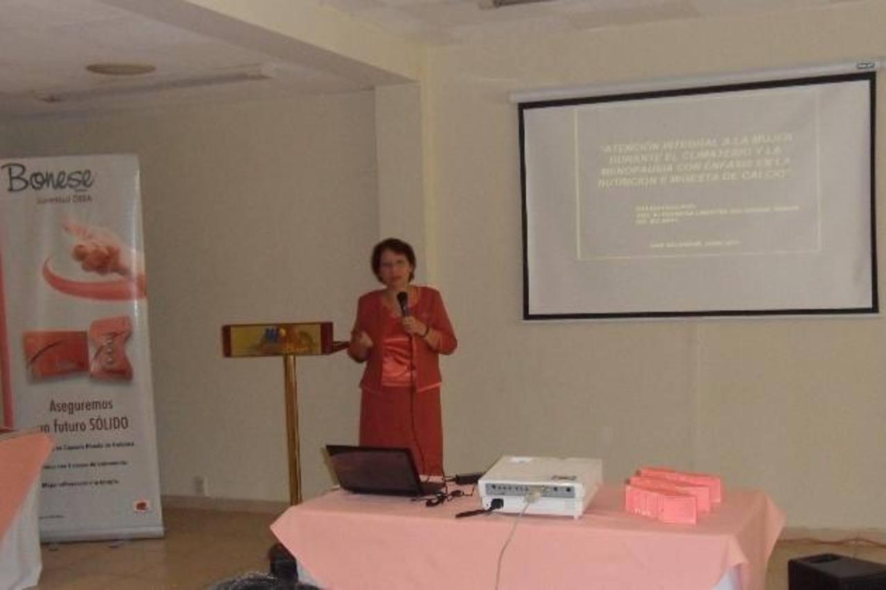 La Asociación de Mujeres Universitarias de El Salvador busca crear espacios de discusión en la sociedad. Foto EDH