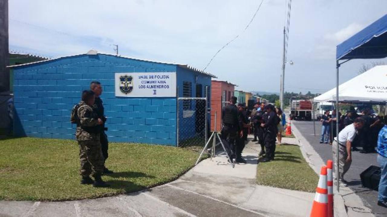 Casa en Los Almendros II, en San Martín, que será ocupada como base de policía comunitaria. Foto EDH / jorge Beltrán luna