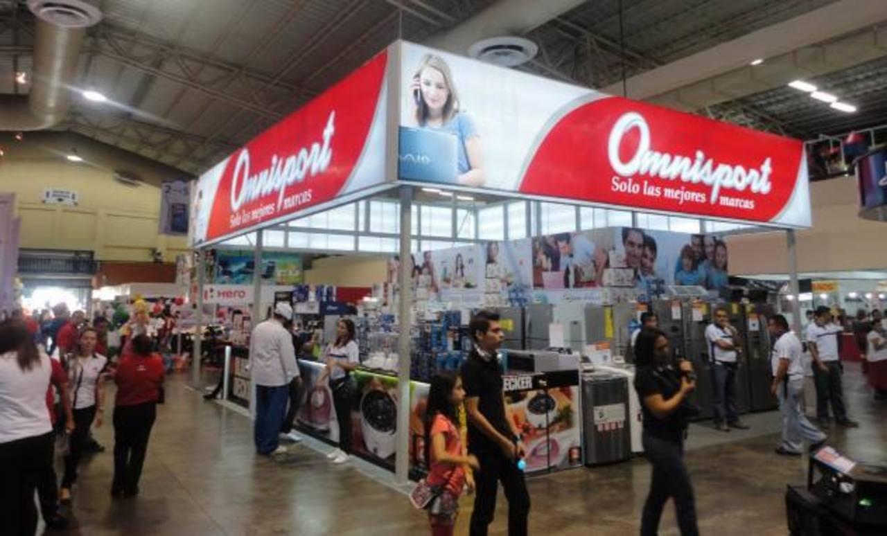 El stand de Omnisport en Consuma está listo para recibir a los visitantes. Foto EDH / Cortesía