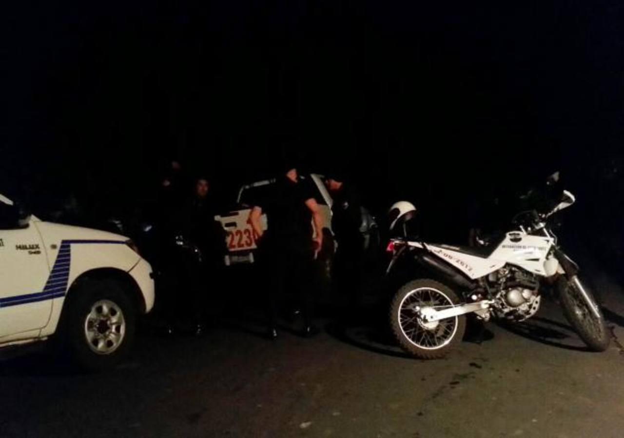 Las autoridades no precisaron si las víctimas del ataque pertenecían a grupos delictivos. Foto EDH / Cortesía Alfredo Rodríguez.Norman Quijano recorrió, ayer, varias arterias capitalinas, acompañado de simpatizantes. Foto EDH / SALOMÓN VÁSQUEZ.