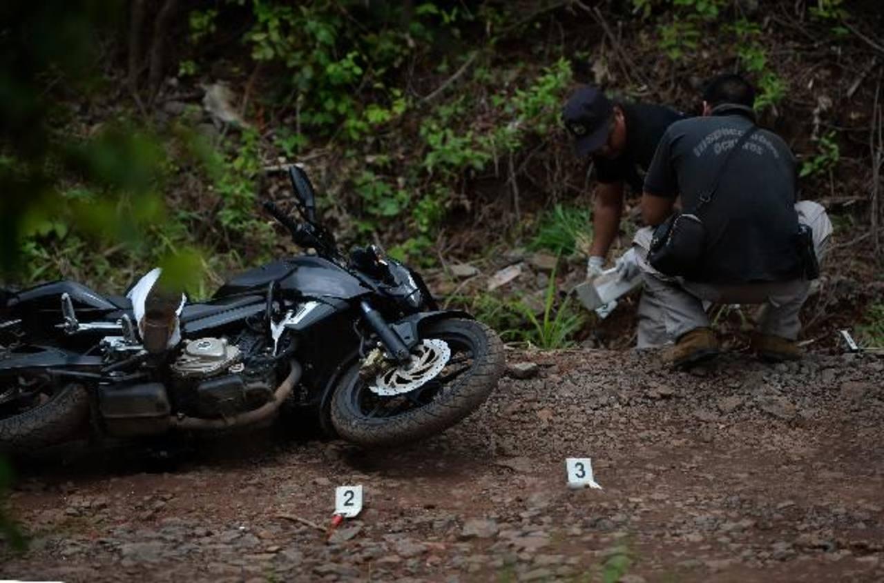 El agente policial Dimas Noé Aguilar fue asesinado ayer en Caluco cuando se dirigía a su trabajo. foto edh / jaime anaya