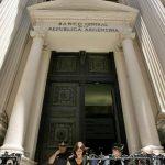 """Argentina enfrenta el segundo """"default"""" en menos de 15 años y ahora busca una solución que frene la crisis."""