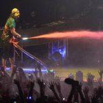 Los asistentes al show de Istmo Music disfrutaron de las explosiones de colores al ritmo de la música. FOTOS EDH/ MARVIN RECINOS