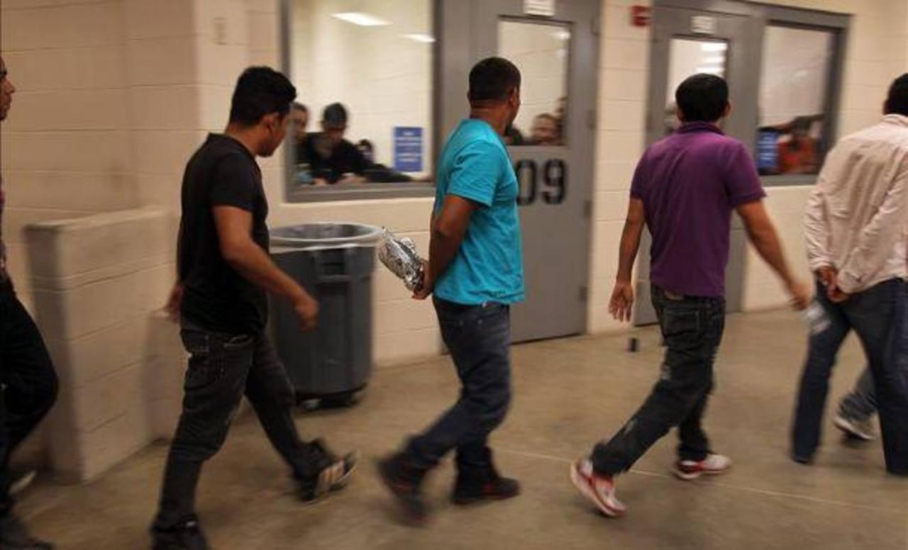 Estados Unidos cerrará albergues de emergencia para niños inmigrantes