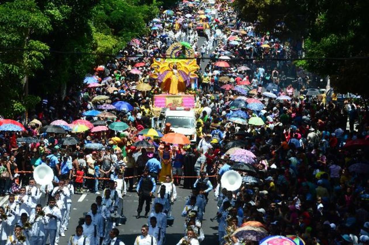 Desfile del Comercio lleno de fantasía y de colorido