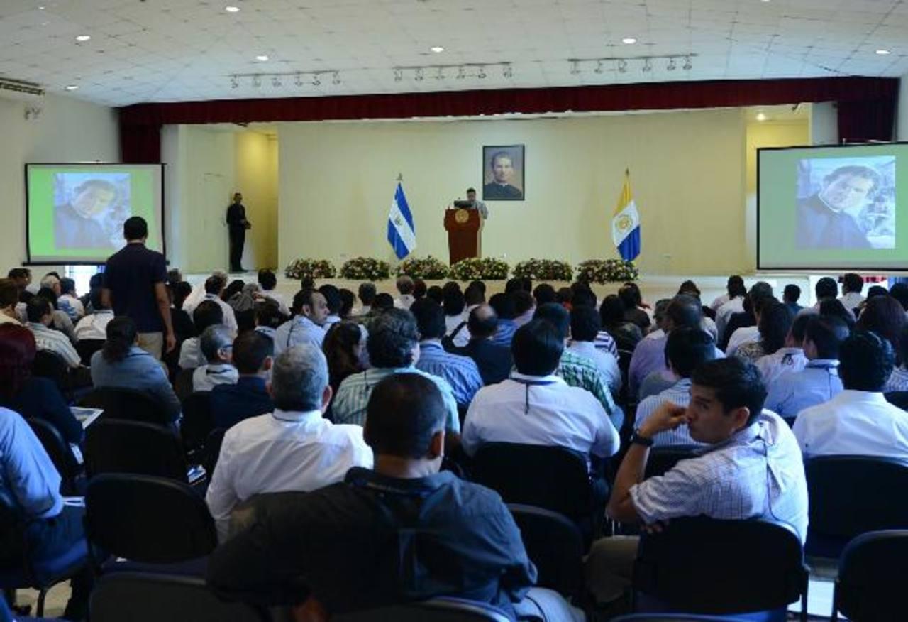 El Congreso se desarrolla en las instalaciones de la Universidad Don Bosco, en Soyapango. foto edh /Douglas urquilla