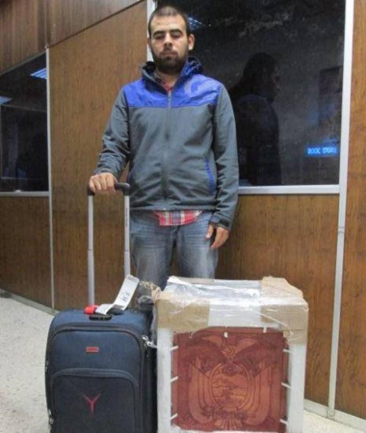 Mexicano detenido por transportar cocaína.