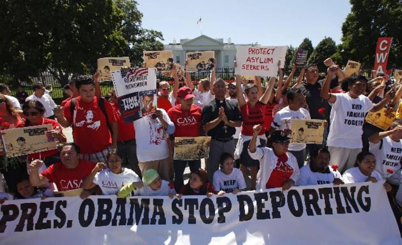 Cientos de partidarios de una reforma migratoria en EE.UU. se manifestaron frente a la Casa Blanca. foto edh / reuters