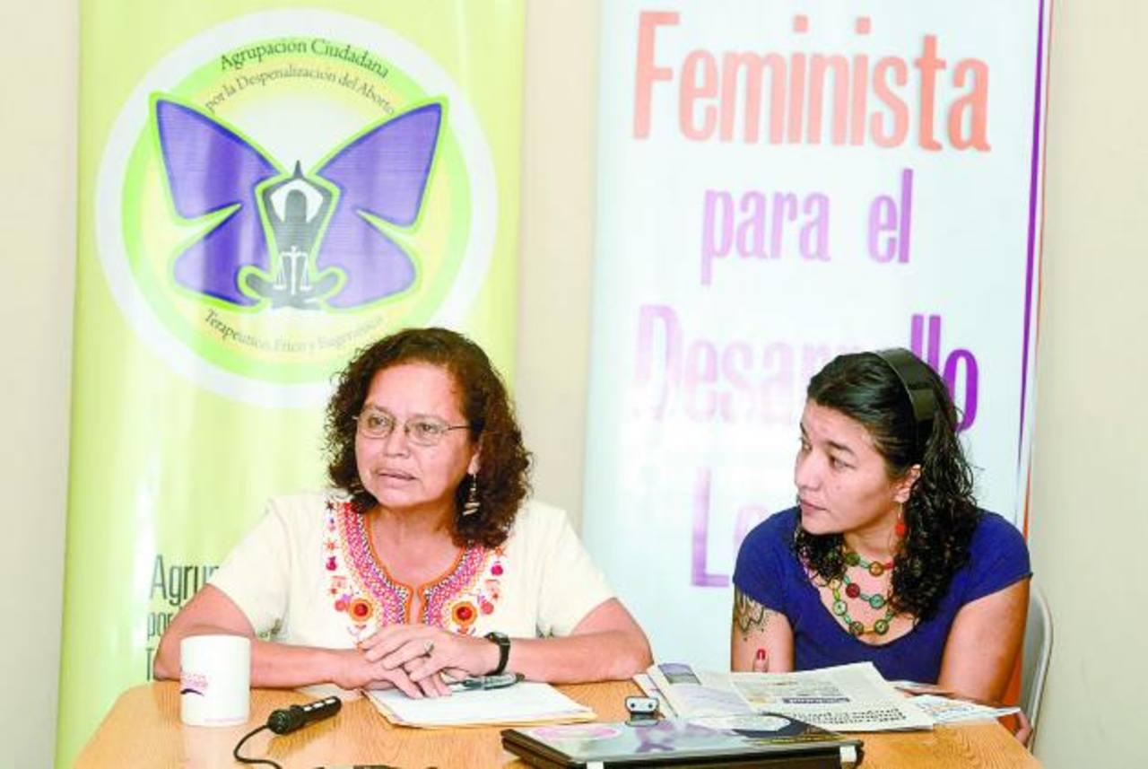 Morena Herrera y Mariana Moisa en entrevista concedida días atrás a El Diario de Hoy. Foto EDH / René Estrada