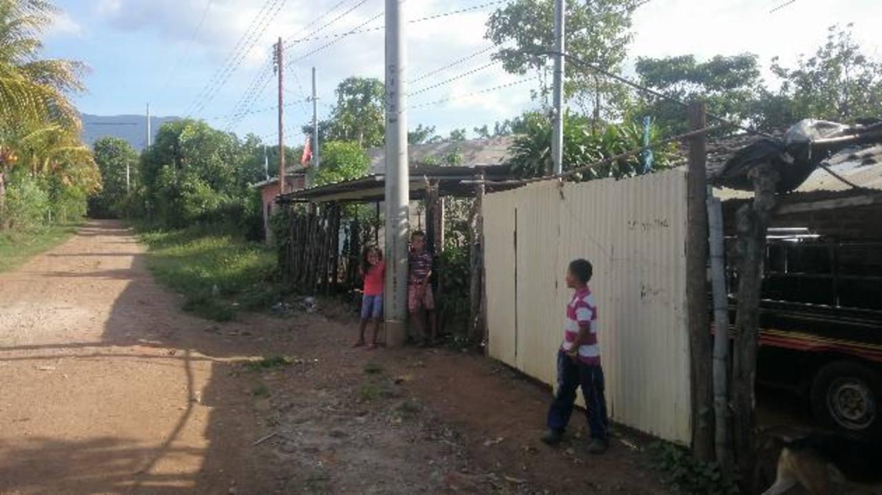 Niños podrán jugar tranquilos en Los Planes, pues sus propiedades son legales. Foto EDH/Jaime López
