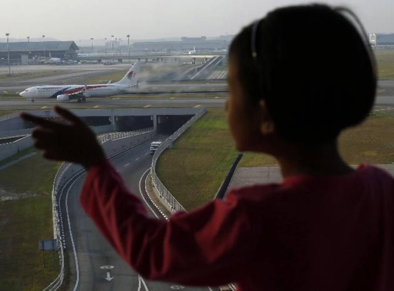 Ampliarían zona de búsqueda de avión malasio desaparecido