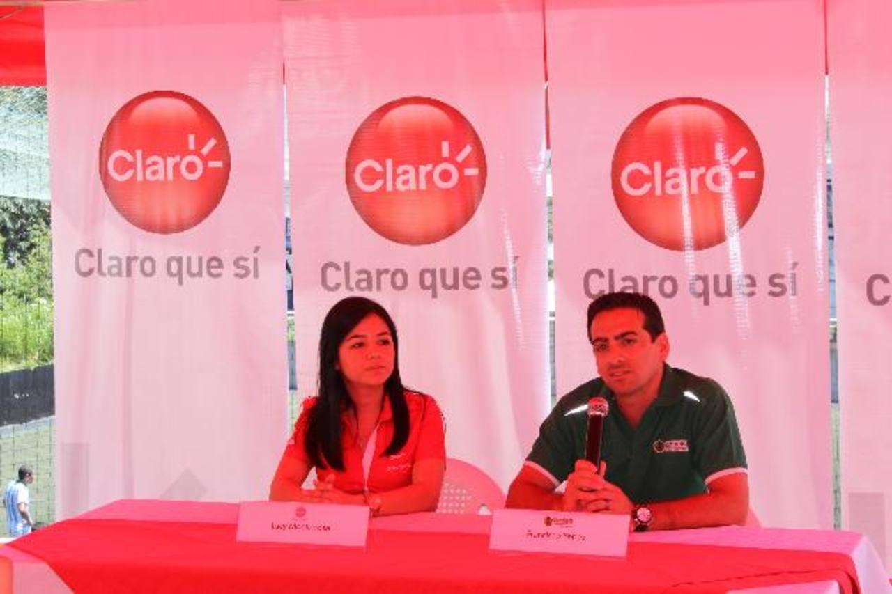 Lucy Monterrosa de Claro y Francisco Yepez de Gambeta. Foto EDH / Cortesía