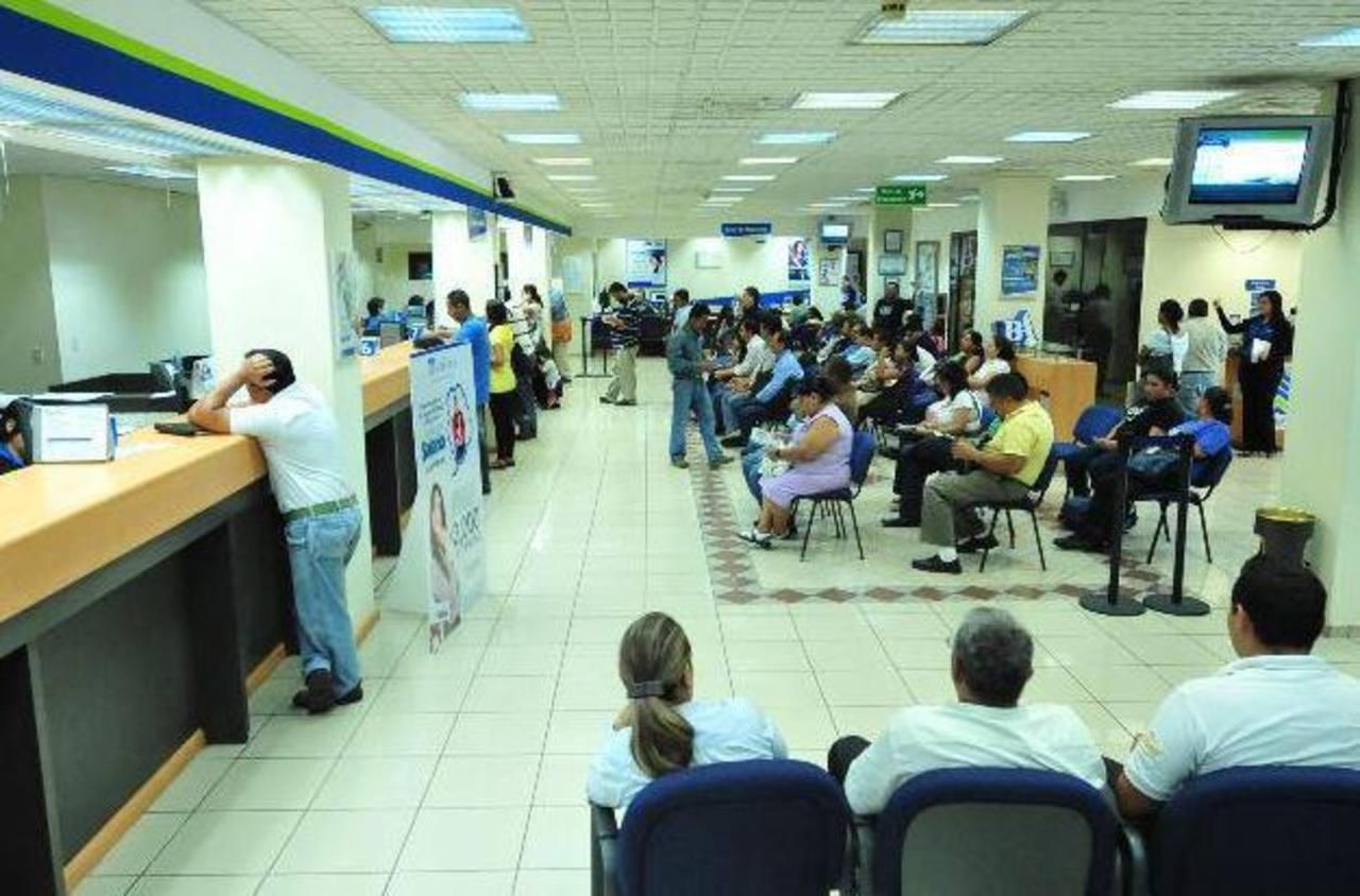 Presidente Sánchez C. defiende medida de indagar cuentas de depositantes