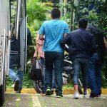 El lunes fueron deportados varios salvadoreños, que fueron llevados a la Dirección de atención al Inmigrante. foto edh / ericka chávez