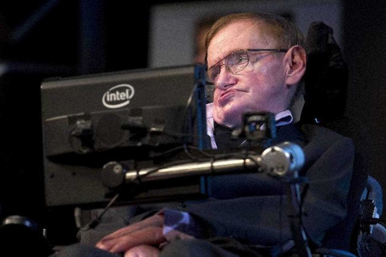 Hawking es una de las personas más conocidas que sufre ELA, una enfermedad neuromuscular degenerativa.