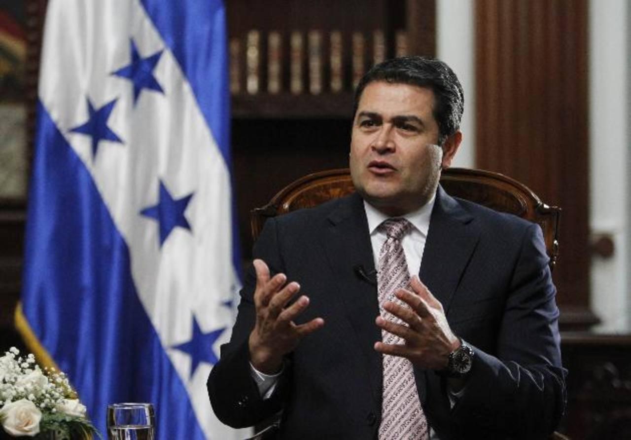 El presidente de Honduras, Juan Orlando Hernández, durante la entrevista en su despacho en Tegucigalpa. Foto edh / Reuters