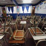 La ausencia de docentes y alumnos, en tiempo que debería dedicarse a clase, es una constante en centros del sistema educativo público.