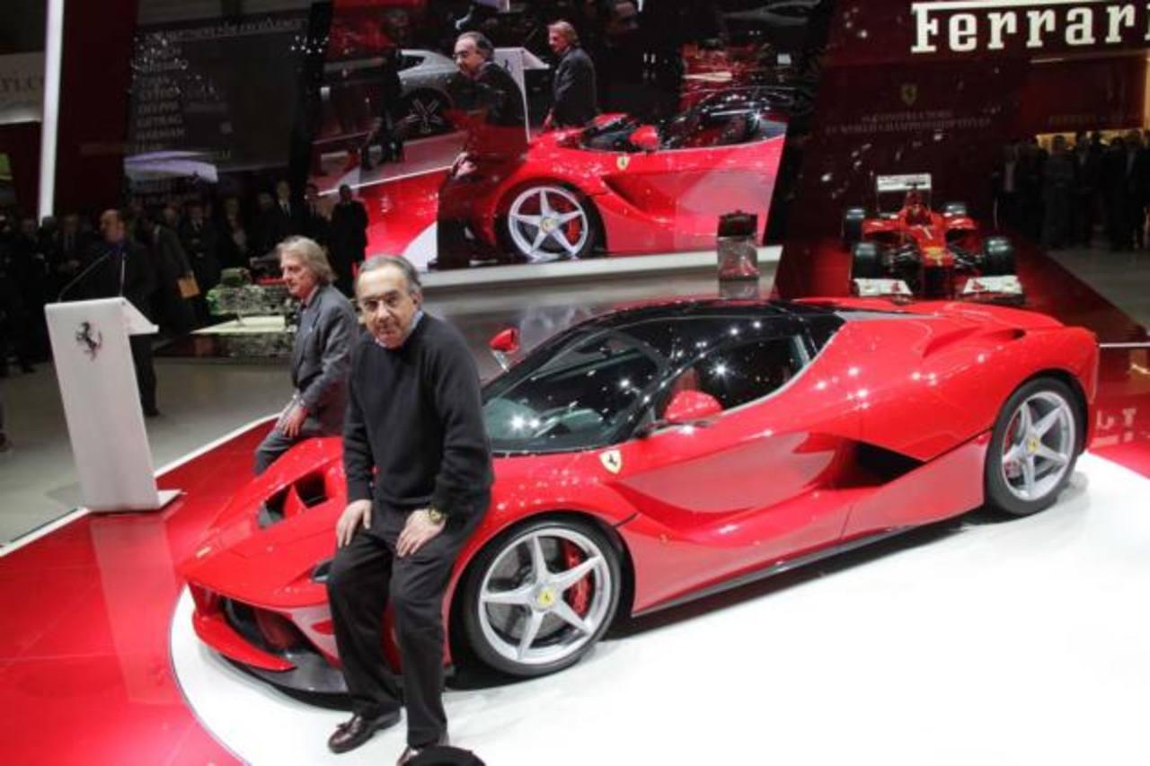 Sergio Marchionne (en primer plano) presidirá Ferrari desde octubre. En la imagen, el saliente Luca Cordero di Montezemolo.