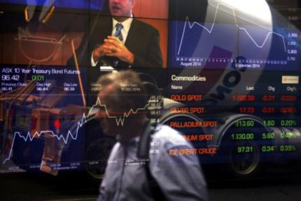 Los principales mercados bursátiles cerraron a la baja este día, debido a la ola de ventas en Wall Street