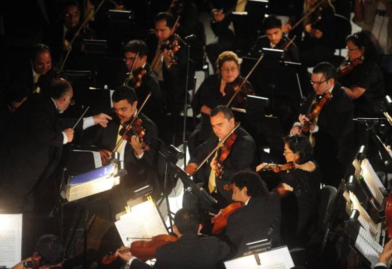 La actividad forma parte del X concierto de temporada de la OSES y será dirigido por el maestro Germán Cáceres. Foto EDH