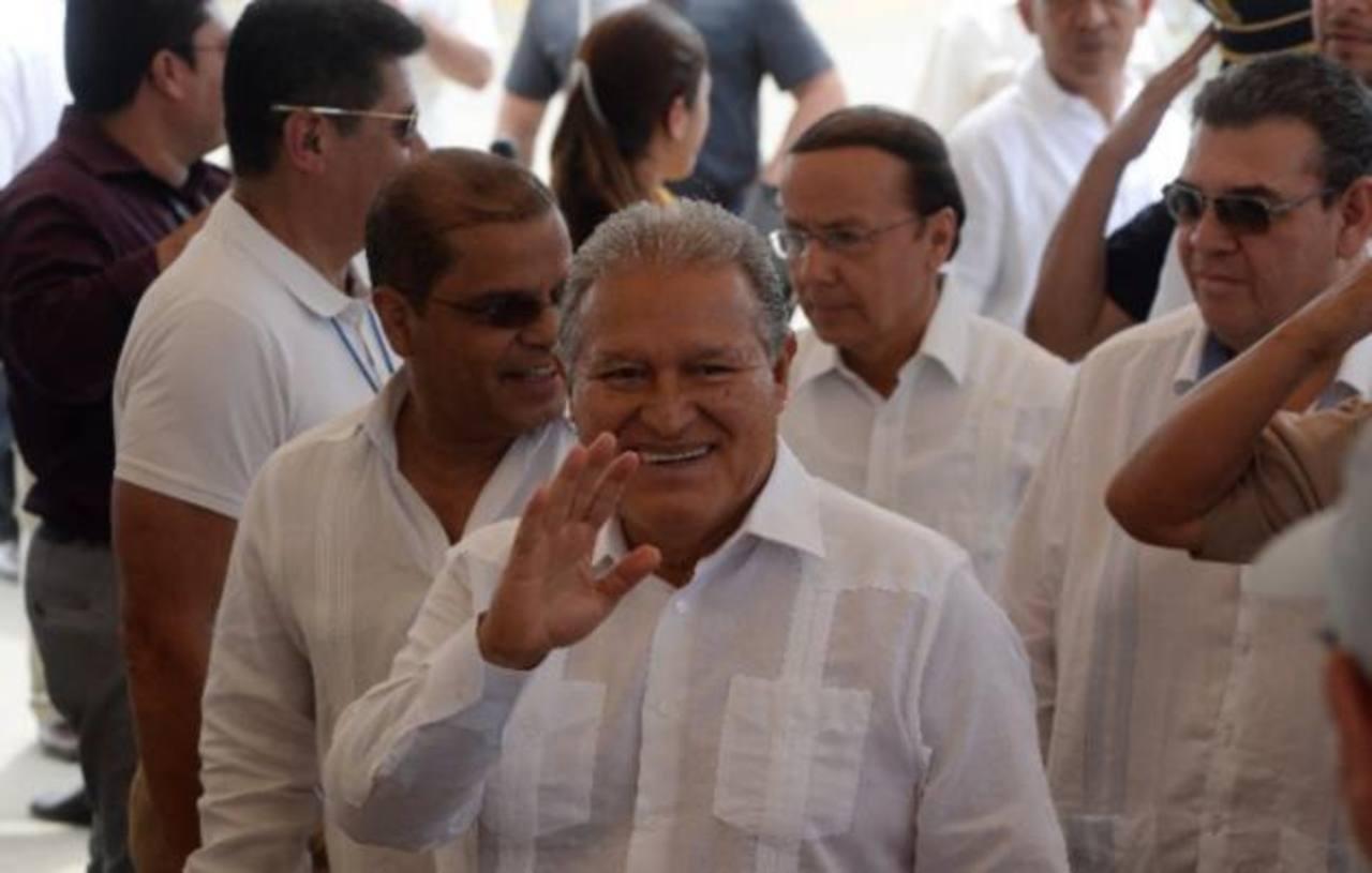 Diálogo sin fruto, poca austeridad marcan la gestión de Sánchez C.