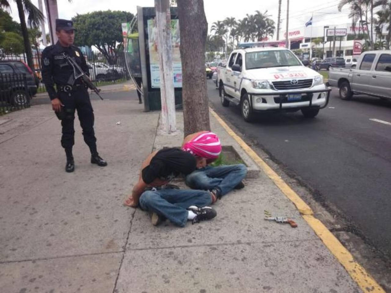 Capturan a dos menores al asaltar en bus ruta 44