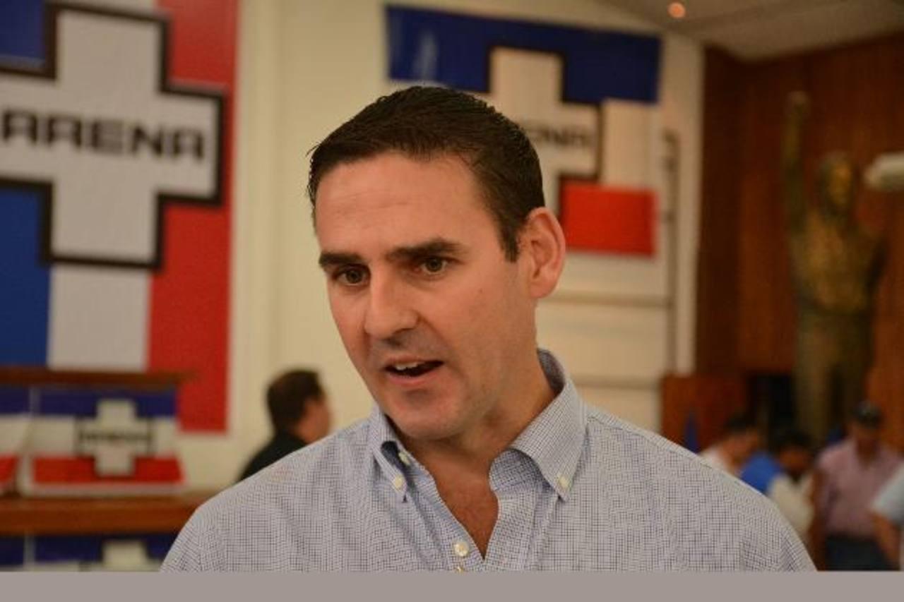 Ernesto Muyshondt, vicepresidente de Ideología del Coena, dijo que la Asamblea ya no tiene nada que investigar de Flores.