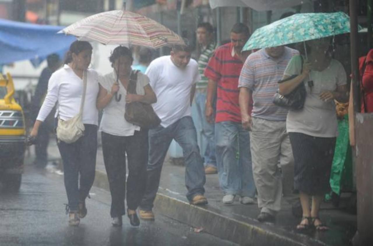 Decretan alerta verde a escala nacional por lluvias