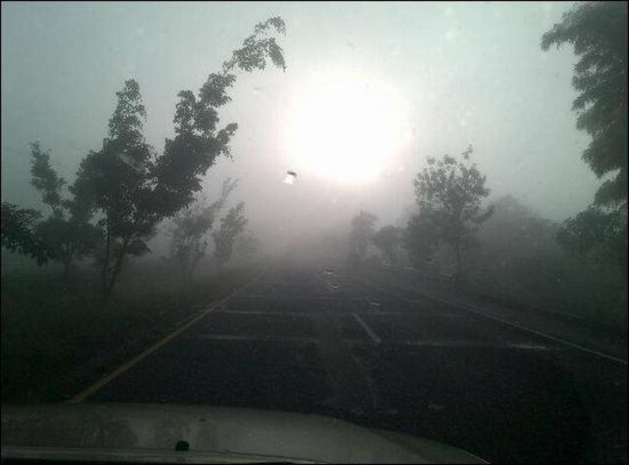Densa neblina en carretera Panamericana después de Perulapán.
