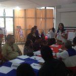 En la imagen se observan a integrantes de sectores dando sus aportes en las mesas de trabajo en Sonsonate. foto edh / cortesía.