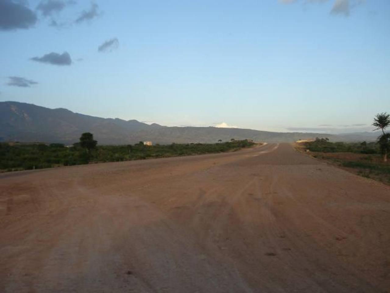 Las autoridades hondureñas estiman que la obra estará finalizada en 2018, aunque algunos tramos ya están terminados. Foto EDH/ Tomada de Internet