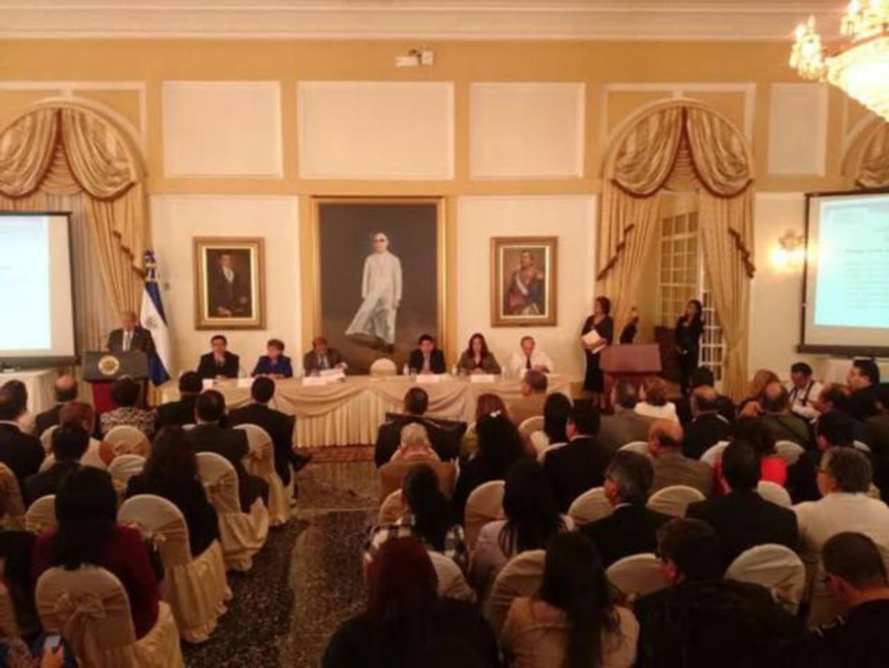 El presidente Salvador Sánchez Cerén brindó su informe de los primeros 100 días de su gestión.