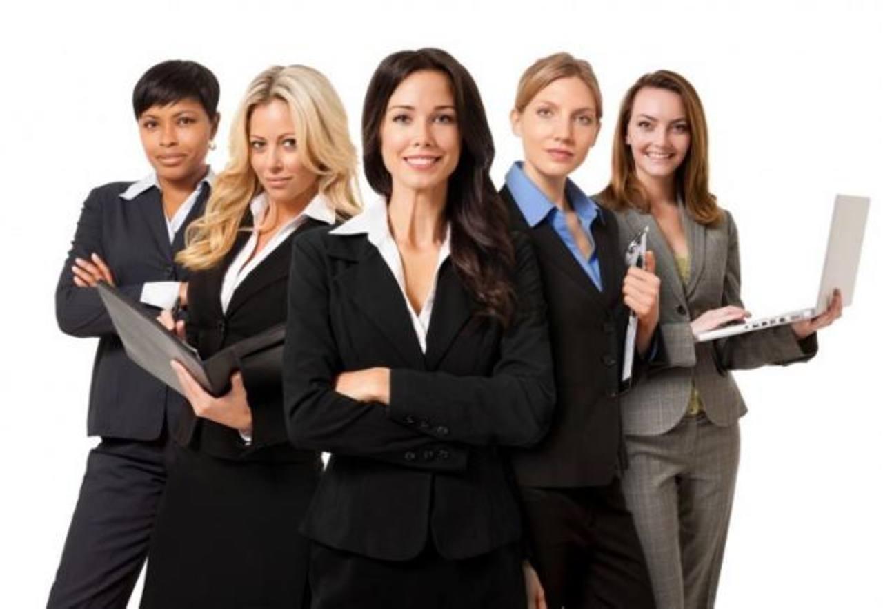 Actualmente, más empresas se están interesando en otorgar puestos directivos a mujeres. foto edh