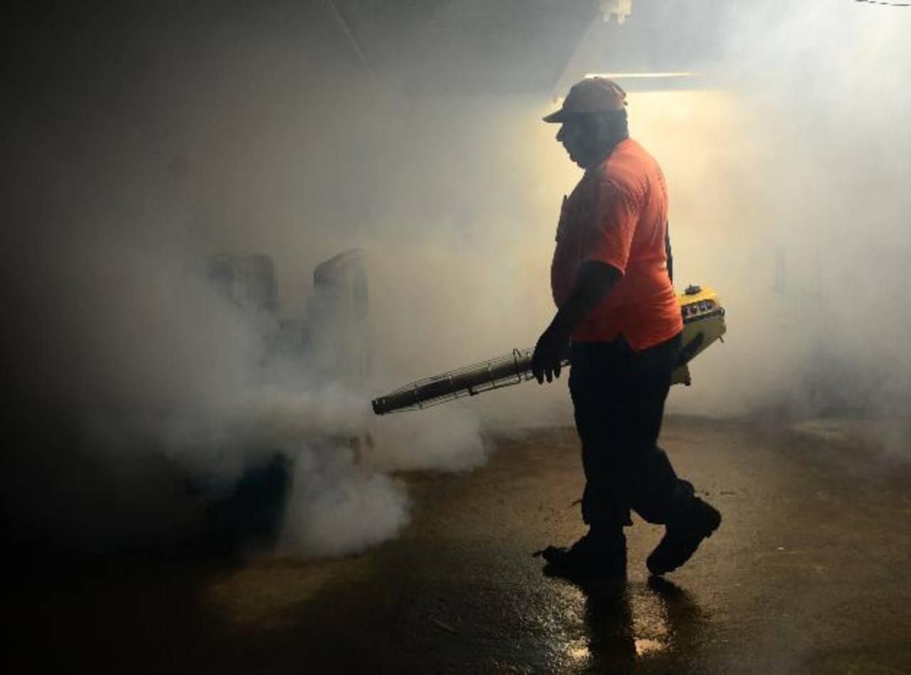 Ministra de Salud llama a la población y alcaldías a erradicar virus chikunguña
