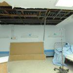 Una de las áreas afectadas, por la filtración de agua, es el Servicio de Nefrología del hospital Rosales.