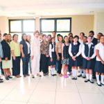 Maestros y alumnos homenajeados agradecieron a Pimude por la labor que realizan en los centros escolares a escala nacional. Foto edh / Miguel Villalta