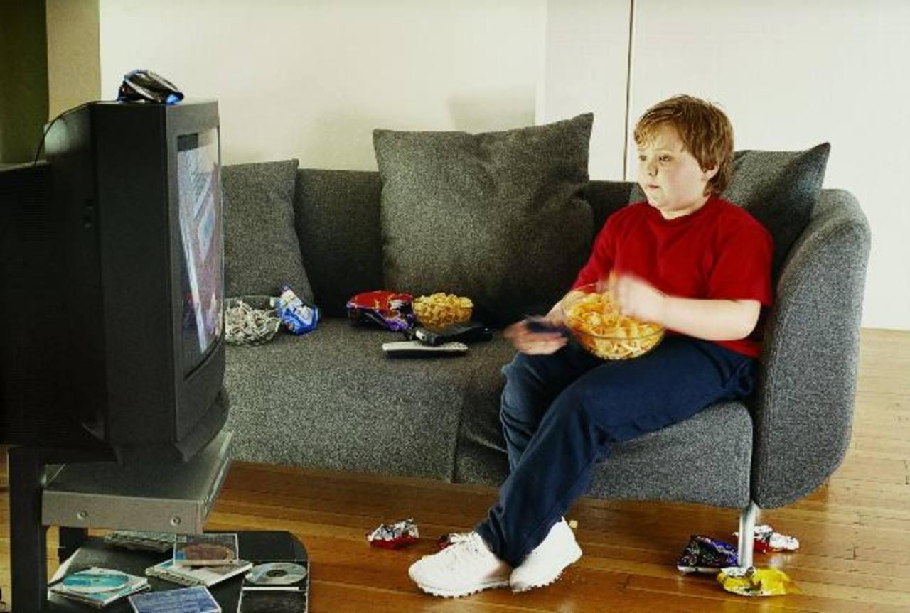 TV de acción alienta a comer más