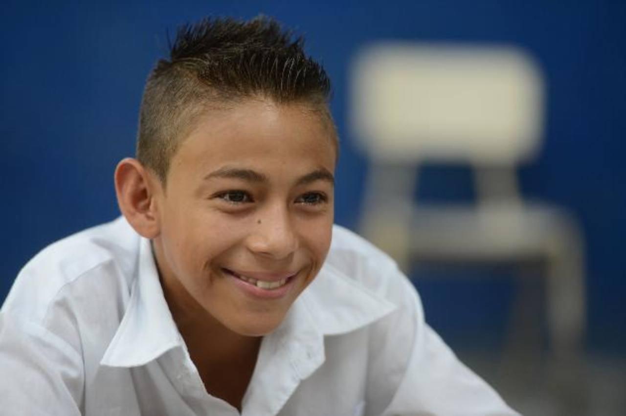 Gerardo Ernesto Mancía, estudiante del Centro Escolar la Campanera, hablará con el papa. Foto EDH / mauricio cÁceres