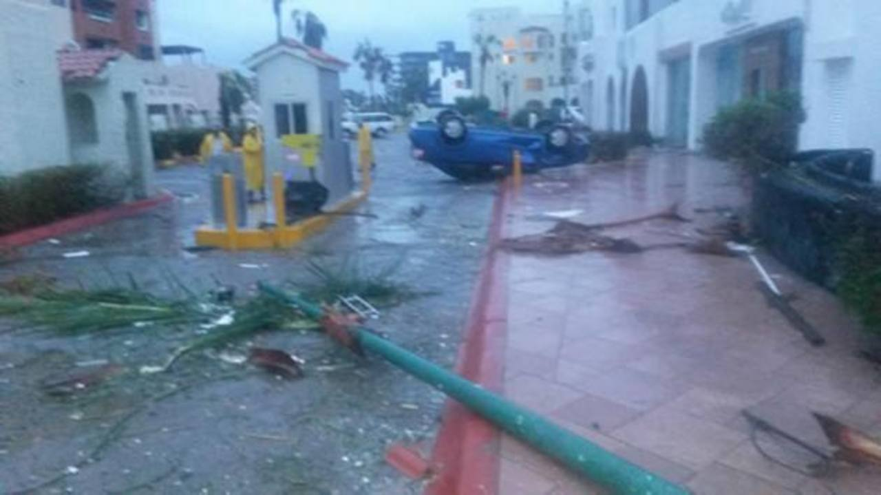 Odile dejó algunas inundaciones y daños a comercios y mobiliario a su paso por Baja California. foto edh / (Nick Parker/CNN)