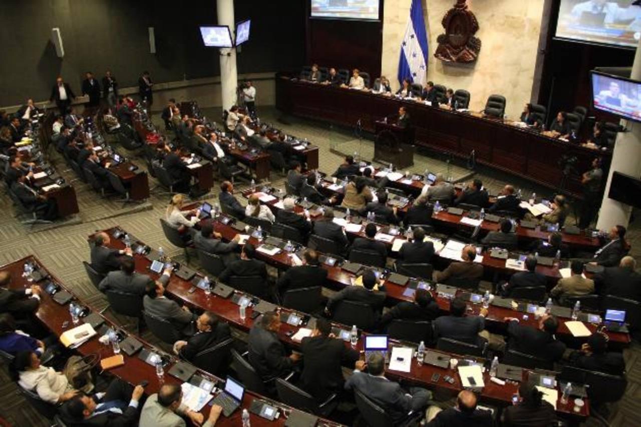 Las autoridades hondureñas también están buscando acuerdos con el FMI.
