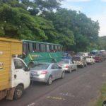 Tráfico vial complicado en la entrada a San Miguel por trabajos del Fovial