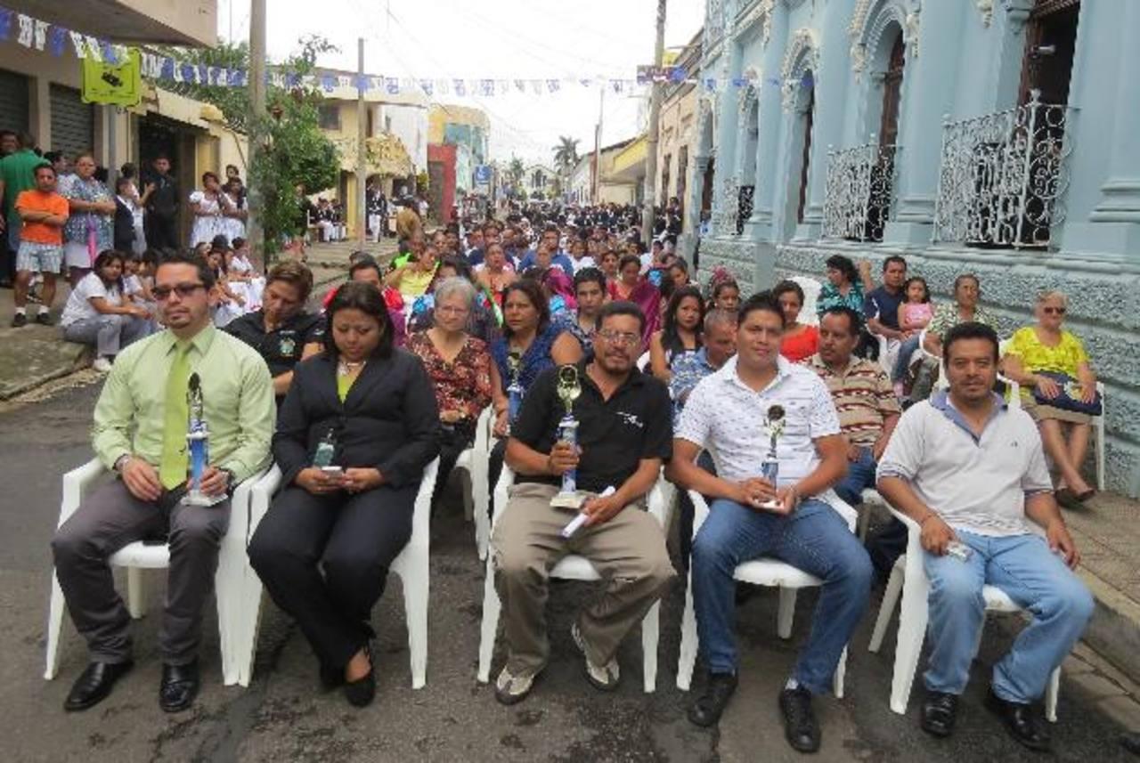 La actividad se llevó a cabo frente a la Casa de la Cultura de Ahuachapán. Foto EDH / R. Zambrano