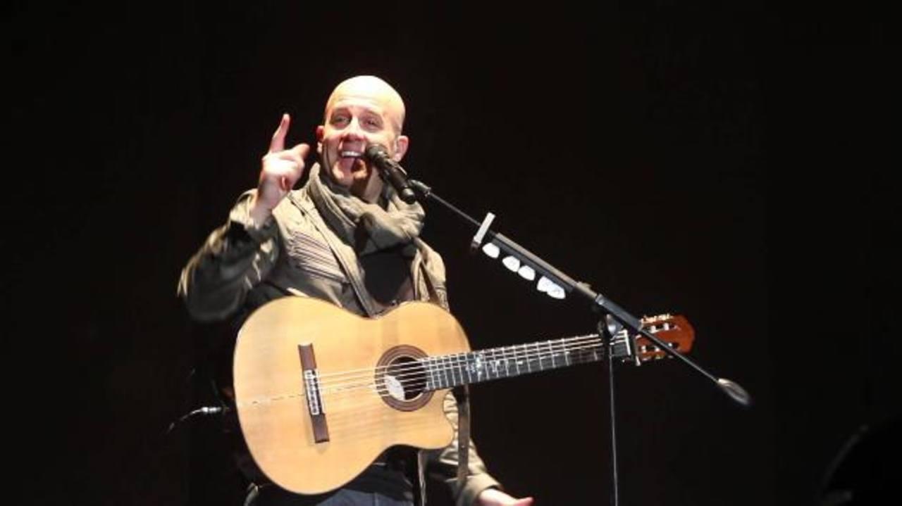 El cantautor peruano Gian Marco durante una entrevista en el Belasco Theater en Los Ángeles.