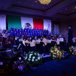 La Orquesta Sinfónica Esperanza Azteca de El Salvador demostró todo su talento en el escenario. FOTO EDH/ Jorge Reyes